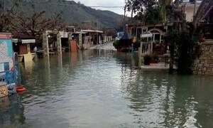 Χανιά: Ανέβηκε η στάθμη της λίμνης Κουρνά - Συγκλονιστικές εικόνες (pics)
