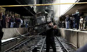 Συγκλονιστικό βίντεο από το Κάιρο: Τρέχουν να σωθούν τυλιγμένοι στις φλόγες (ΣΚΛΗΡΕΣ ΕΙΚΟΝΕΣ)