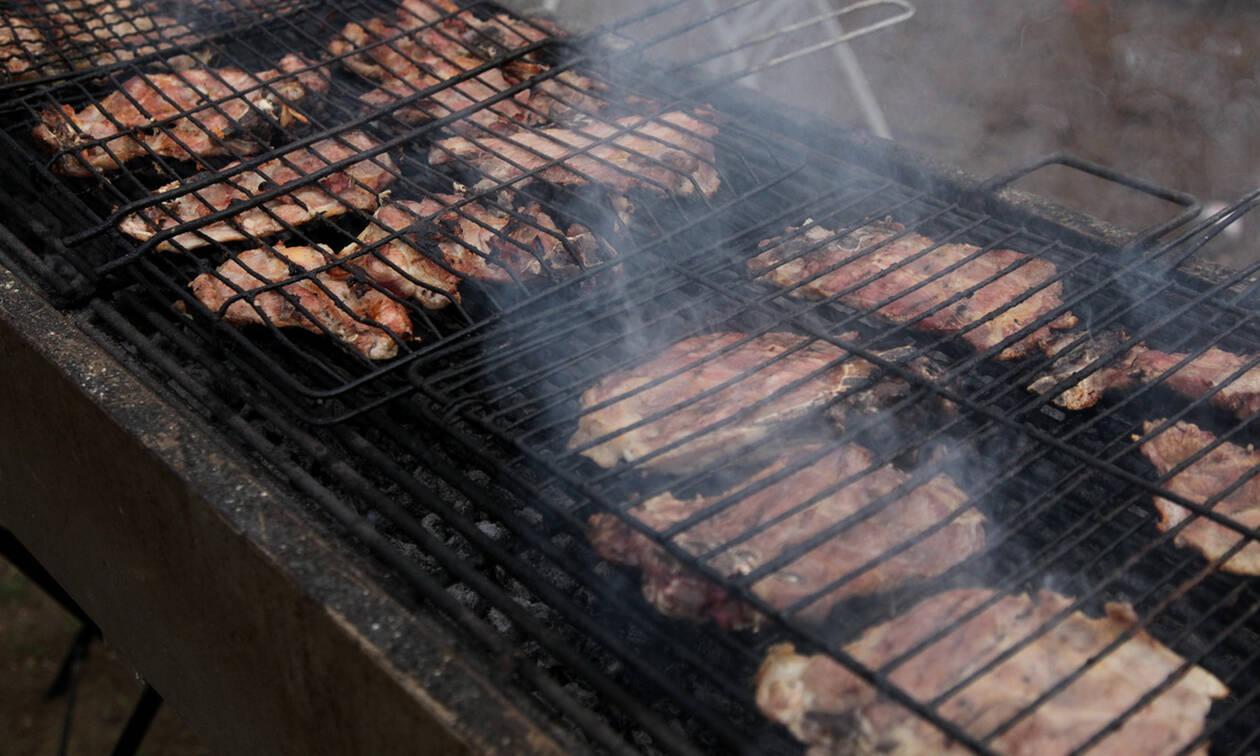 Τσικνοπέμπτη: Χρήσιμες συμβουλές για να βγει το κρέας νόστιμο και πετυχημένο