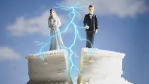 Πανικός σε γάμο: Έπαιξαν... μπουνιές σε γαμήλιο γλέντι για την μουσική! (video)