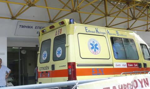Σοβαρό τροχαίο στη Βουλιαγμένης: Συγκρούστηκαν τρία οχήματα - Στις φλόγες μοτοσικλέτα