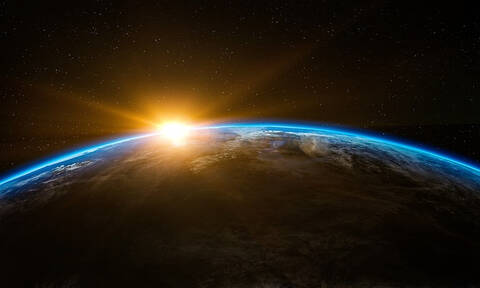Κίνδυνος! Ανεξέλεγκτο διαστημικό σκάφος έτοιμο να συγκρουστεί με τη Γη