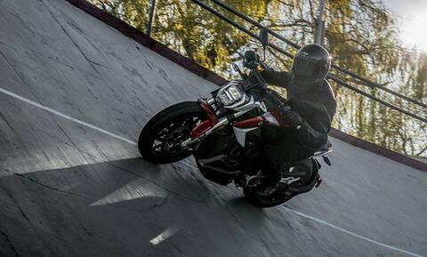 Μοτοσικλέτα για να τρίβεις τα μάτια σου! (pics)