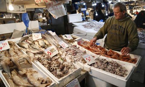 Τα 5 sos που πρέπει να ξέρεις πριν αγοράσεις θαλασσινά & σαρακοστιανά (εικόνες)