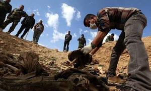 Φρίκη δίχως τέλος στη Συρία: Βρέθηκε ομαδικός τάφος με αποκεφαλισμένα πτώματα