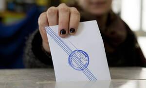 Νέα δημοσκόπηση: Ποιος προηγείται – Πώς διαμορφώνεται το πολιτικό σκηνικό στη χώρα
