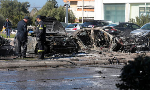 Γλυφάδα: Συγκλονιστικές εικόνες από το σημείο της έκρηξης