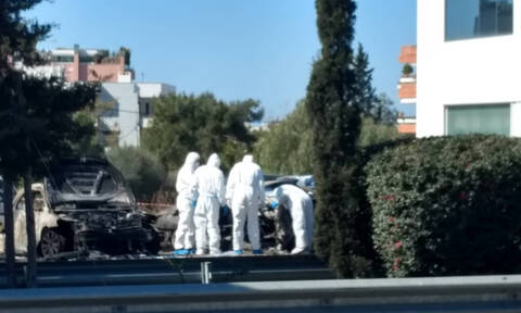 Man injured in powerful explosion at Glyfada parking lot