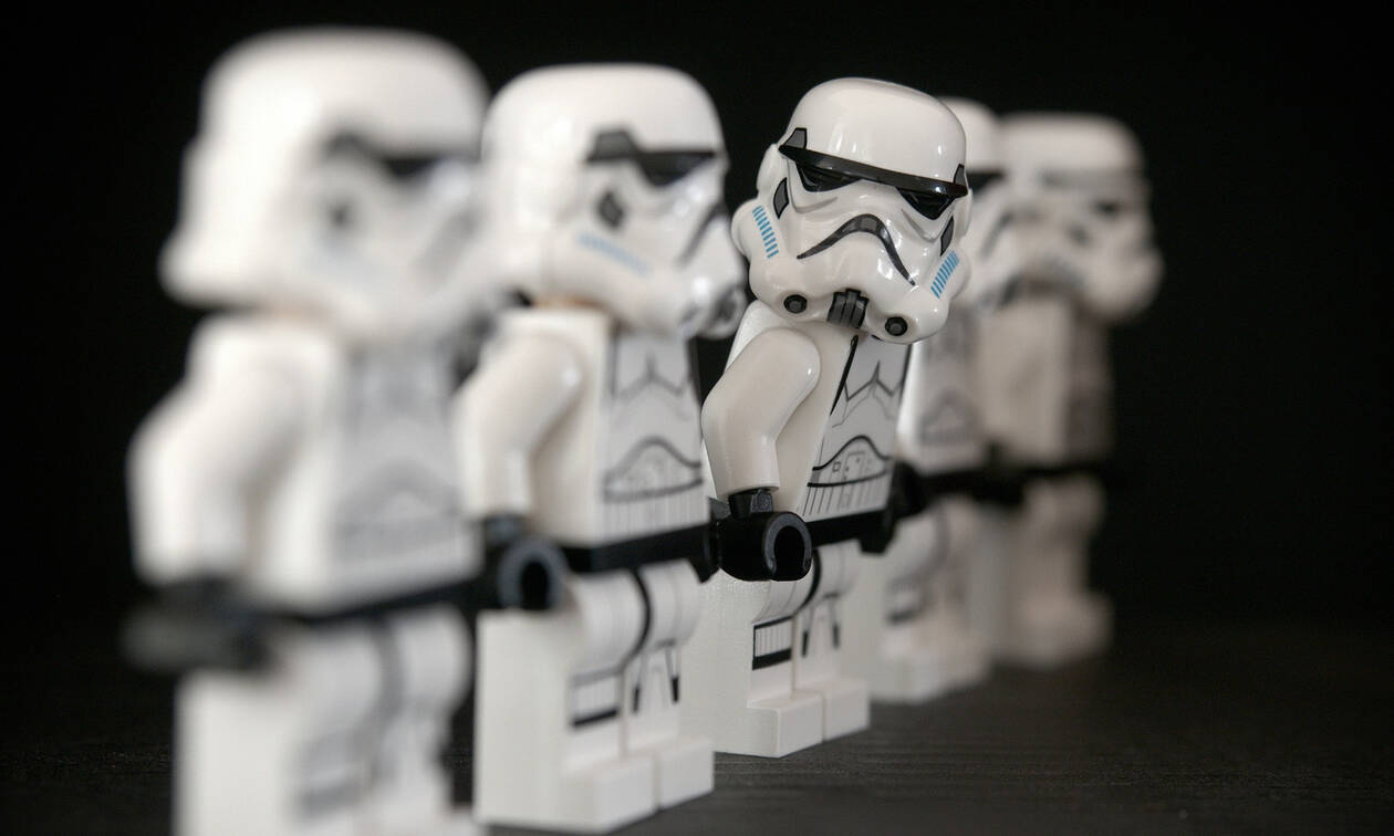 Tο πρώτο θεματικό πάρκο Star Wars είναι γεγονός και ανοίγει τις πόρτες του (vid)