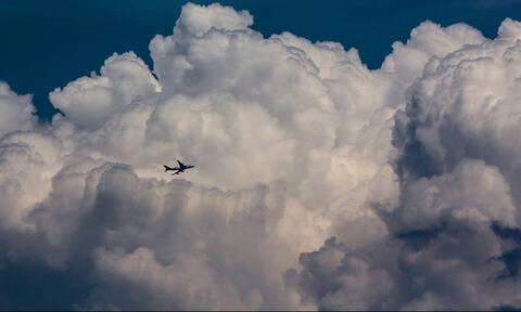 Απίστευτo: Πιλοτάριζε επί 20 χρόνια επιβατικά αεροπλάνα χωρίς... δίπλωμα!