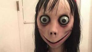 Hoax που προκάλεσε παράλογη υστερία το «Momo Challenge» - Τι απαντά το YouTube