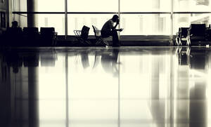 Λονδίνο: Καθηλώθηκαν όλες οι πτήσεις στο αεροδρόμιο Στάνστεντ (pics)