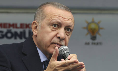 Κάτι υποχθόνιο ετοιμάζει ο Ερντογάν: «Σφραγίζει» την Τουρκία από ξένα «βλέμματα»