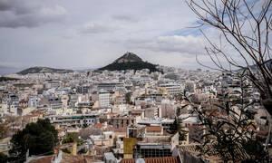 Νέος νόμος Κατσέλη: «Μπαράζ» τηλεδιασκέψεων με τους θεσμούς για την προστασία πρώτης κατοικίας