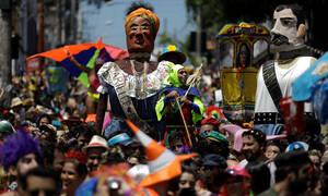 Βραζιλία: Ξεκίνησε το διάσημο καρναβάλι του Ρίο