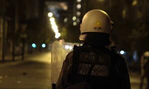 Θεσσαλονίκη: Συμπλοκή κουκουλοφόρων με ΜΑΤ – «Βροχή» από μολότοφ