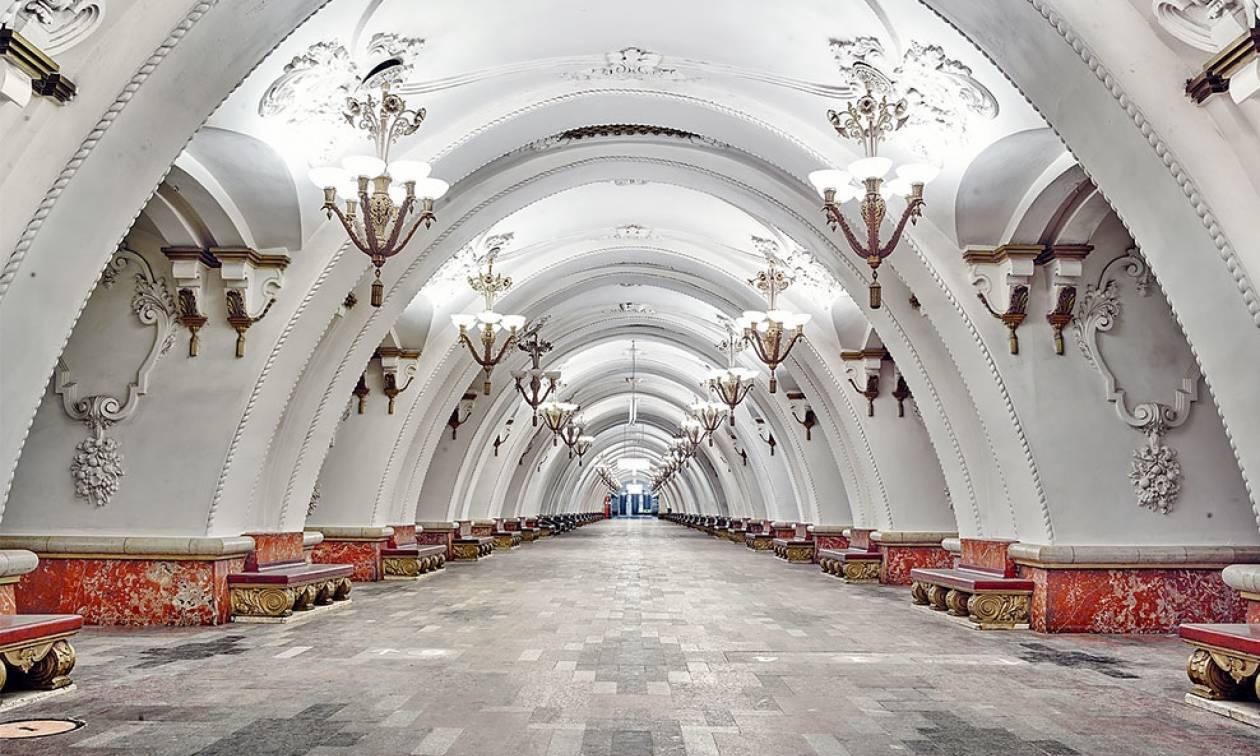 Ξεχάστε για λίγο το μετρό της Αθήνας και δείτε φωτογραφίες από το εντυπωσιακότερο μετρό του κόσμου