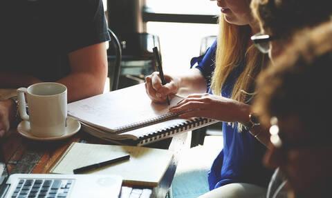 Λύση-ανάσα για χιλιάδες ελεύθερους επαγγελματίες: Ηλεκτρονικά και άμεσα η επιστροφή του ΕΦΚ