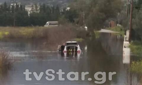 Εύβοια: Σε κατάσταση έκτακτης ανάγκης περιοχές της Χαλκίδας - Κινδύνεψε οδηγός