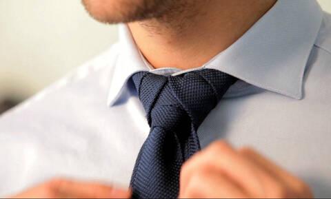 Μάθετε πώς να δένετε γραβάτα σε 30 δευτερόλεπτα... (video)