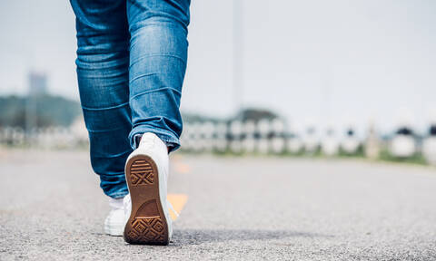 Τι θα συμβεί στο σώμα σας αν περπατάτε 30 λεπτά κάθε μέρα (video)
