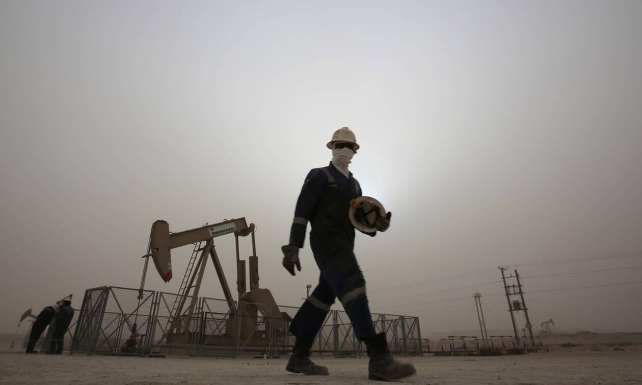 Οριακή πτώση στη Wall Street - «Φρένο» στην τιμή του πετρελαίου