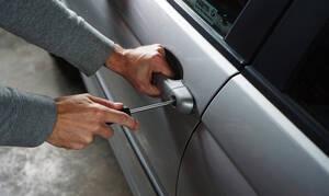 Απάτη - ΣΟΚ: Έτσι αντιγράφουν το κλειδί του αυτοκινήτου σας σε 2 λεπτά! (vid)