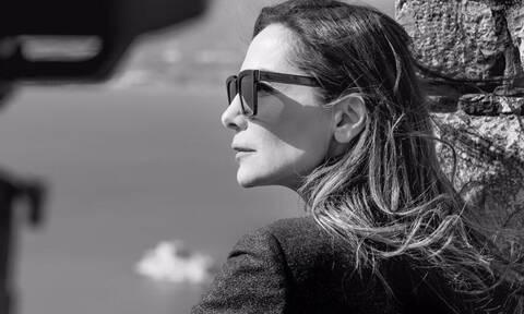 O τρόπος που φοράει το denim μπουφάν η Δέσποινα Βανδή θα σε συναρπάσει