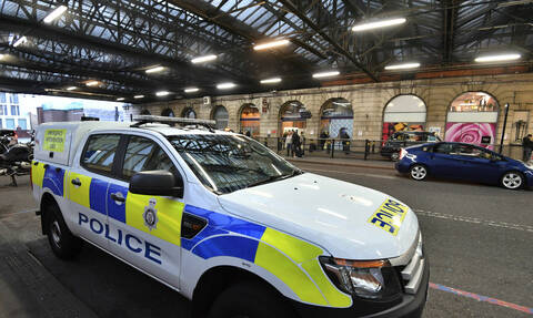 Συναγερμός στο Λονδίνο: Ύποπτο πακέτο και στο κοινοβούλιο