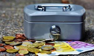 ΑΑΔΕ: Αναλυτικές οδηγίες για τον επαγγελματικό λογαριασμό - Τι ισχύει για την κατάθεση μετρητών