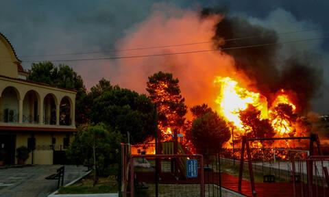 Διάλογοι σοκ για τη φονική πυρκαγιά στο Μάτι: «Πεθαίνει ο παππούς» - «Έρχονται, το κέρατό μου!»