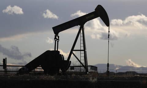 Νέες απώλειες στην Wall Street - Τα αποθέματα έφεραν πτώση στο πετρέλαιο