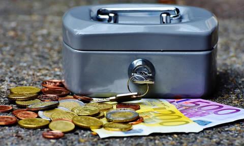 Συντάξεις Απριλίου 2019 - Πληρωμές: Πότε θα μπουν τα χρήματα στην τράπεζα