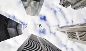 Βίντεο - ντοκουμέντο: Boeing 767 κάνει «βουτιά» και συντρίβεται στο έδαφος