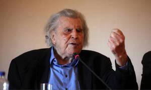 Μίκης Θεοδωράκης: Υπεβλήθη σε επέμβαση – Τι αναφέρει το ιατρικό ανακοινωθέν