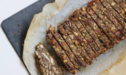 Έχεις λιγούρα για ψωμί αλλά δεν τρως γλουτένη;  Φτιάξε τη συνταγή αυτή
