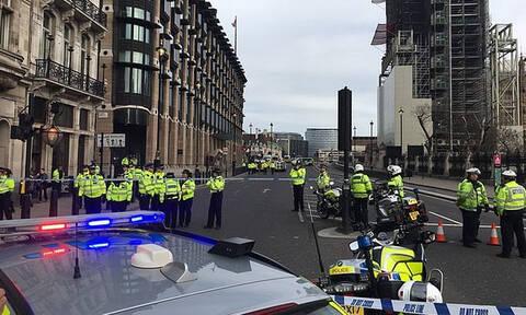 Συναγερμός στο Λονδίνο: Ύποπτο όχημα κοντά στο βρετανικό κοινοβούλιο