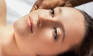 Πες αντίο στις ρυτίδες με face massage