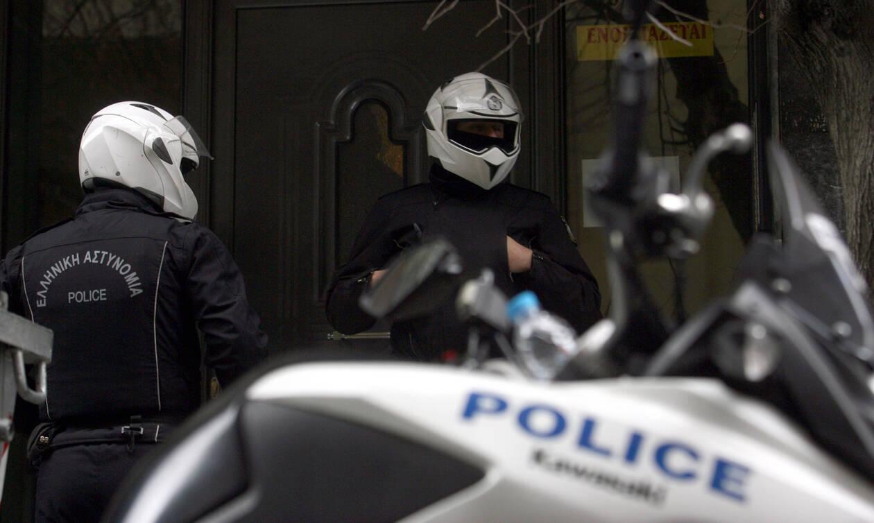 Θρίλερ στην Πάτρα: Νεκρός βρέθηκε 23χρονος μέσα στο σπίτι του