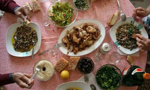Πόσο θα κοστίσει φέτος το σαρακοστιανό τραπέζι