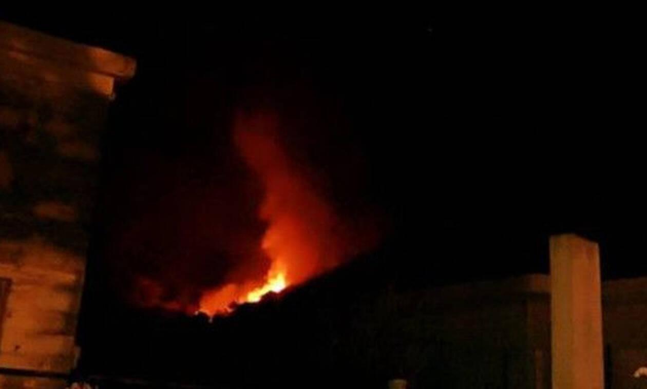 Κρήτη: Συναγερμός στην Πυροσβεστική για φωτιά κοντά σε χωριό (vid)