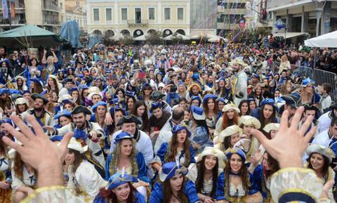 Σε καρναβαλικούς ρυθμούς η Πάτρα: Όλα έτοιμα για την σημερινή μεγάλη παρέλαση! (pics&vid)