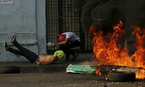 Τρία σενάρια για τη Βενεζουέλα: Ο Μαδούρο, ο Γκουαϊδό κι ο ρόλος του στρατού