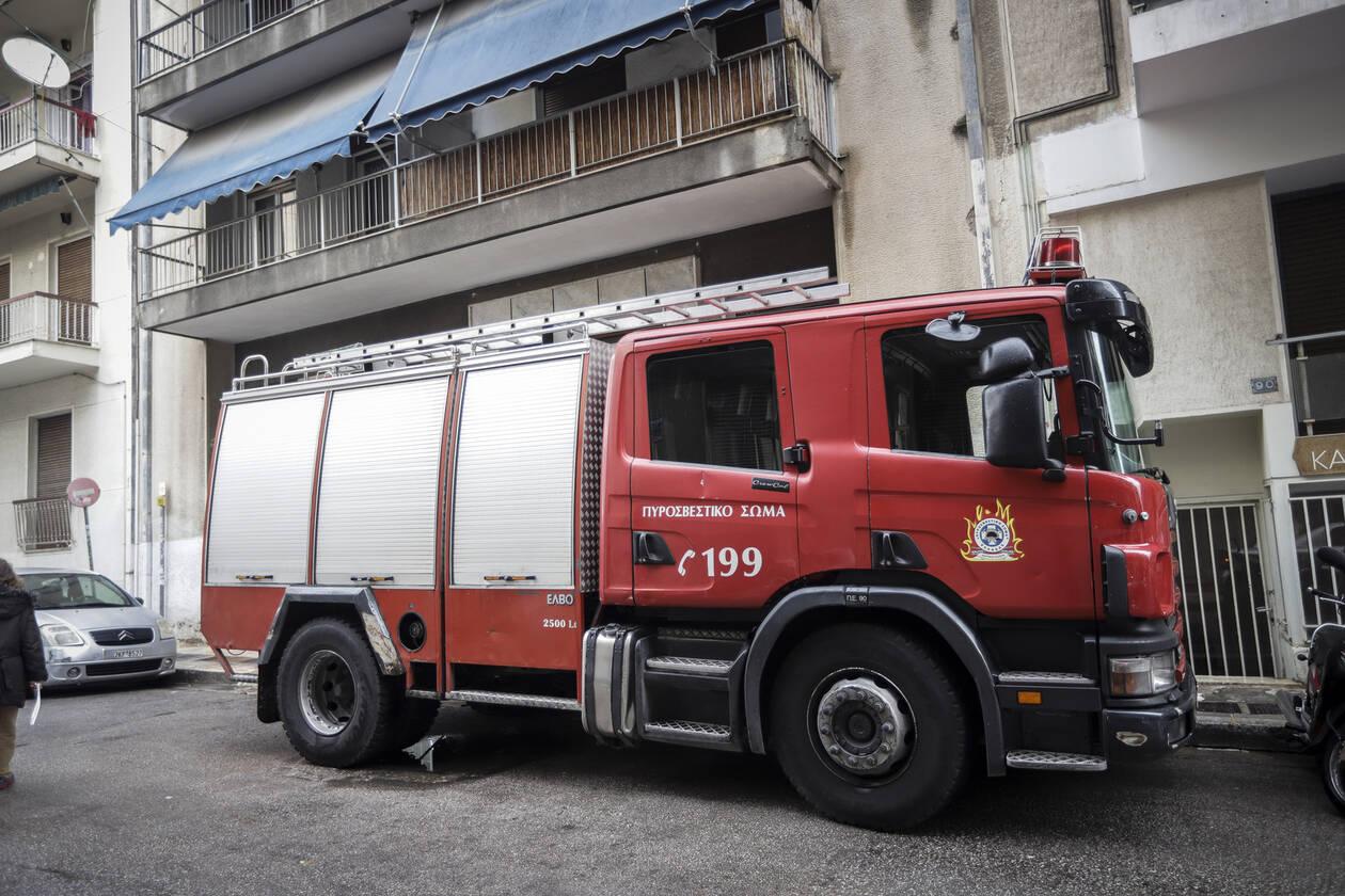 Καρναβάλι - Πάτρα: Διακόπηκε η παρέλαση μετά από φωτιά σε διαμέρισμα
