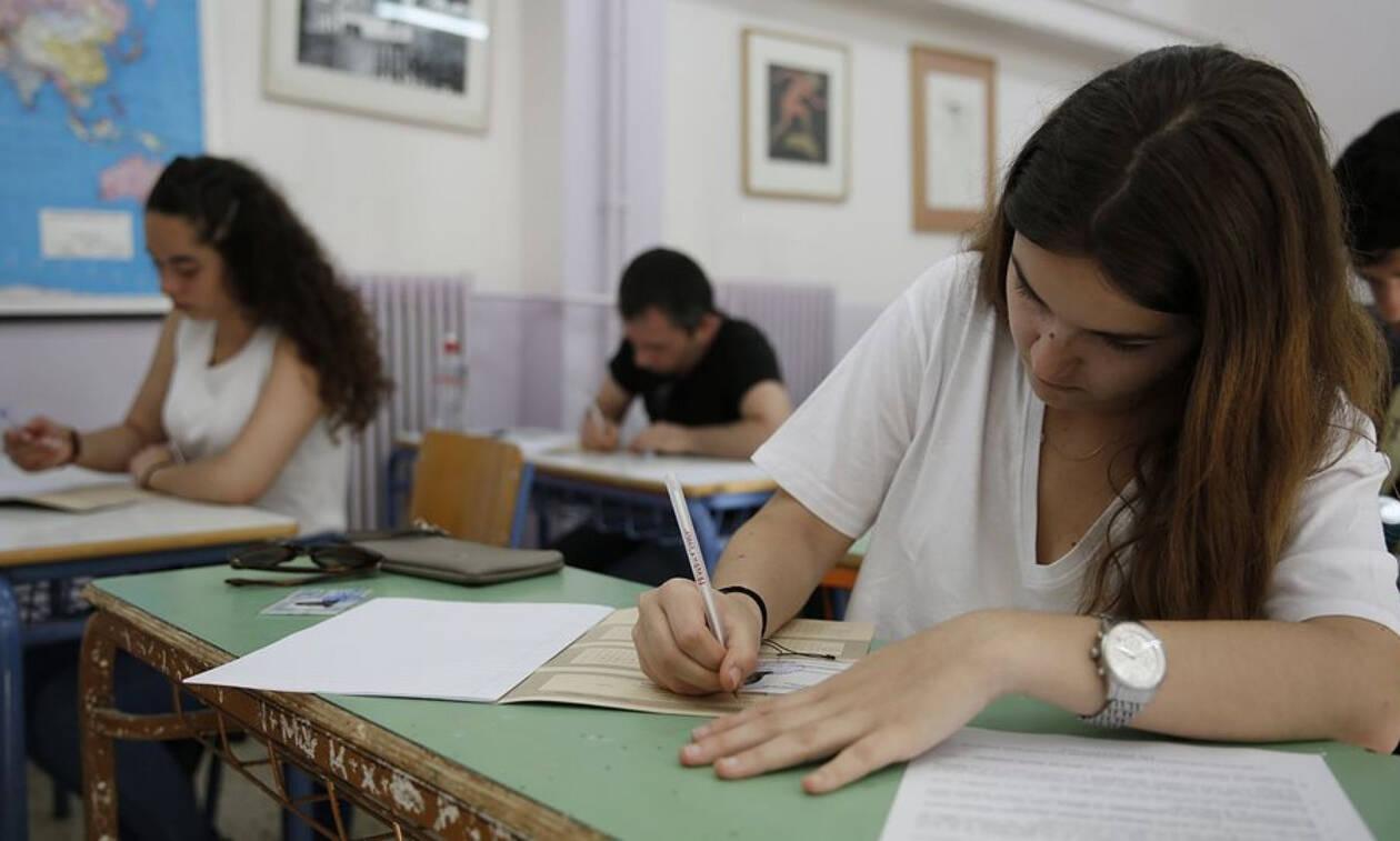 Ρεπορτάζ Newsbomb.gr για τις αλλαγές στις Πανελλήνιες: Οι ανακρίβειες και οι μαθητές τριών ταχυτήτων
