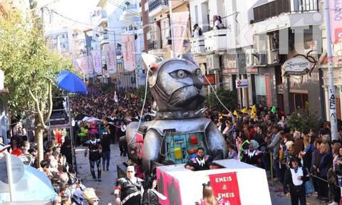 Ρεθεμνιώτικο Καρναβάλι: Χιλιάδες καρναβαλιστές στη μεγαλύτερη γιορτή της Κρήτης (vid)