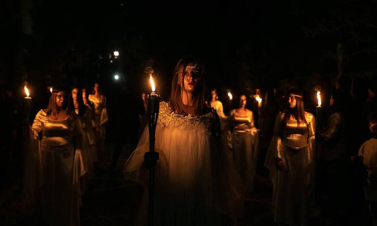 Η Νύχτα των Στοιχειών στην Άμφισσα: Η αναβίωση μιας ιστορίας αγάπης και απώλειας