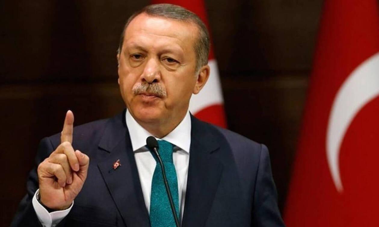 Σε πανικό ο Ερντογάν: Καταρρέει η τουρκική οικονομία