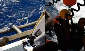 Επέζησε για ώρες μέσα στη θάλασσα - δεν φαντάζεστε πώς τα κατάφερε