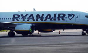 Απίστευτη περιπέτεια για επιβάτες της Ryanair: Ώρες ταλαιπωρίας στο αεροδρόμιο της Σαντορίνης